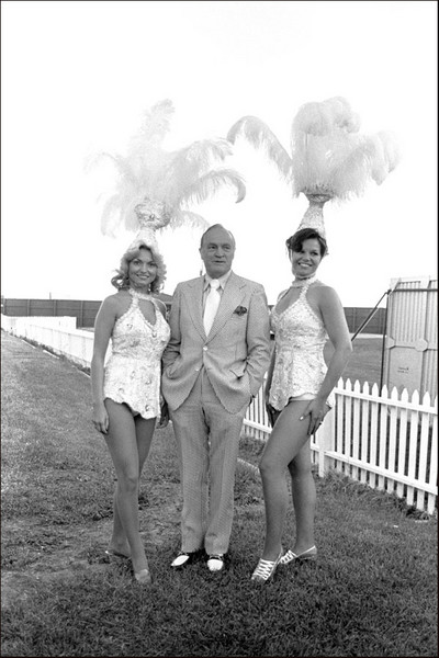 Bob Hope and Ladies
